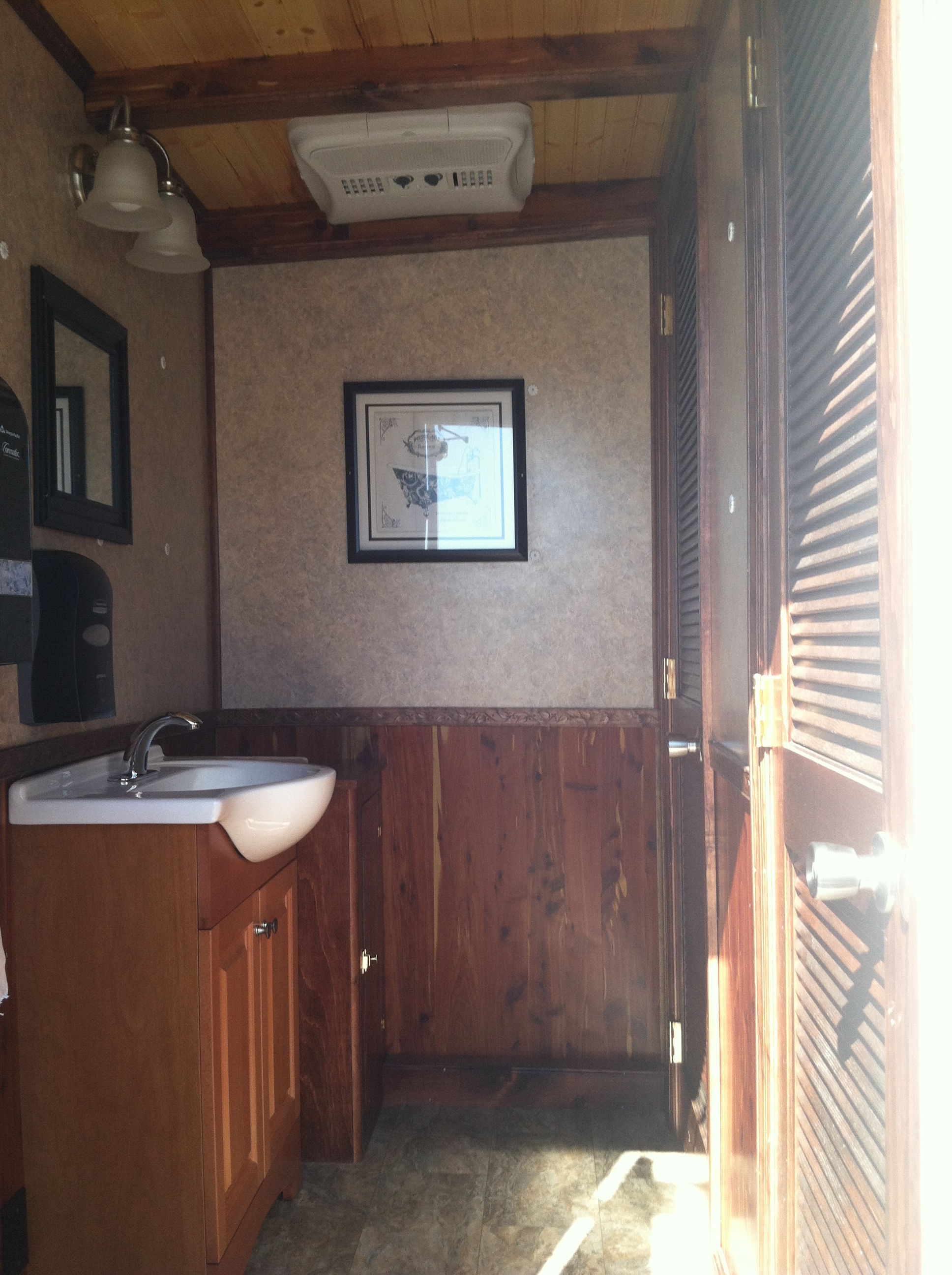Ladies Medium Toilet Trailer interior